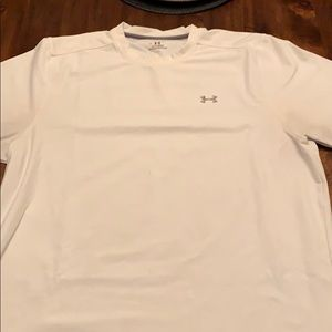Under Armour Large T Shirt